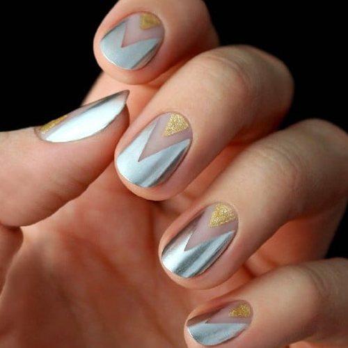 Uñas de oro y plata chevron
